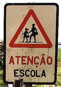 http://www.ebanataw.com.br/narua/escolaresACORES.jpg (20767 bytes)